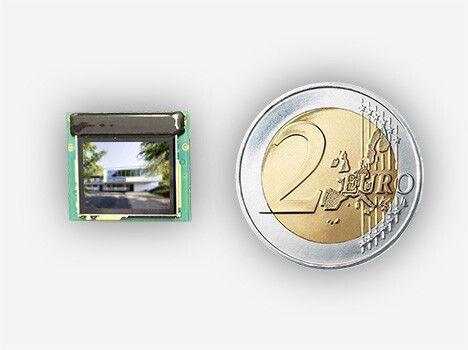 OLED-Mikrodisplay für Bildeinblendung in Beobachtungssystemen